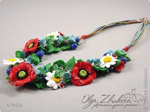 Цветы из полимерной глины в украшениях фото 11