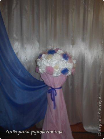 цветовая гамма и бабочки-заказ невесты.было интересно работать с этим заказом.и молодожёны очень красивые и букет невесты стильный.желаю этой замечательной паре жить в согласии и любви! фото 8