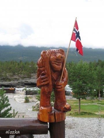 Доброго времени суток  дорогие  мои !!! На  этот раз хочу познакомить вас с замечательной страной Норвегией   , Норвегия это замечательная природа,  очаровательные фьорды  чистейший воздух  опьяняющий и  завораживающий ! Вообщем сказка   ! Много писать не буду просто полюбуйтесь!!! фото 1
