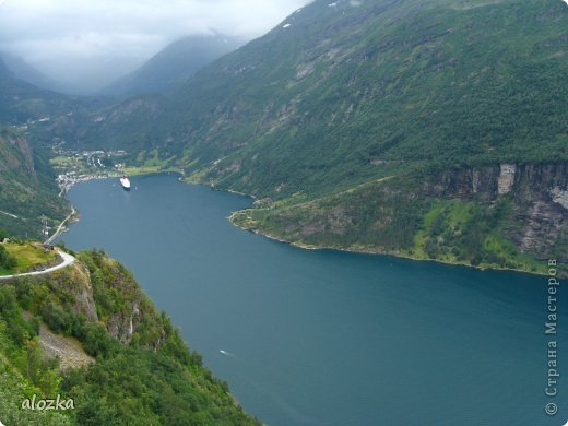 Доброго времени суток  дорогие  мои !!! На  этот раз хочу познакомить вас с замечательной страной Норвегией   , Норвегия это замечательная природа,  очаровательные фьорды  чистейший воздух  опьяняющий и  завораживающий ! Вообщем сказка   ! Много писать не буду просто полюбуйтесь!!! фото 6