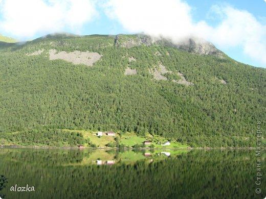Доброго времени суток  дорогие  мои !!! На  этот раз хочу познакомить вас с замечательной страной Норвегией   , Норвегия это замечательная природа,  очаровательные фьорды  чистейший воздух  опьяняющий и  завораживающий ! Вообщем сказка   ! Много писать не буду просто полюбуйтесь!!! фото 7