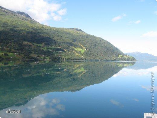 Доброго времени суток  дорогие  мои !!! На  этот раз хочу познакомить вас с замечательной страной Норвегией   , Норвегия это замечательная природа,  очаровательные фьорды  чистейший воздух  опьяняющий и  завораживающий ! Вообщем сказка   ! Много писать не буду просто полюбуйтесь!!! фото 8