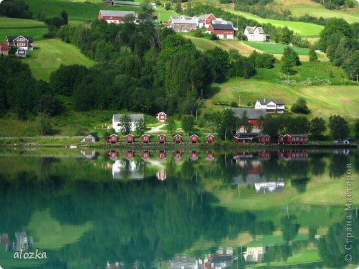 Доброго времени суток  дорогие  мои !!! На  этот раз хочу познакомить вас с замечательной страной Норвегией   , Норвегия это замечательная природа,  очаровательные фьорды  чистейший воздух  опьяняющий и  завораживающий ! Вообщем сказка   ! Много писать не буду просто полюбуйтесь!!! фото 9