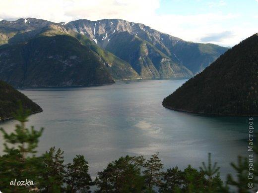 Доброго времени суток  дорогие  мои !!! На  этот раз хочу познакомить вас с замечательной страной Норвегией   , Норвегия это замечательная природа,  очаровательные фьорды  чистейший воздух  опьяняющий и  завораживающий ! Вообщем сказка   ! Много писать не буду просто полюбуйтесь!!! фото 13