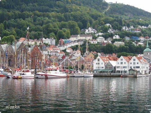 Доброго времени суток  дорогие  мои !!! На  этот раз хочу познакомить вас с замечательной страной Норвегией   , Норвегия это замечательная природа,  очаровательные фьорды  чистейший воздух  опьяняющий и  завораживающий ! Вообщем сказка   ! Много писать не буду просто полюбуйтесь!!! фото 12