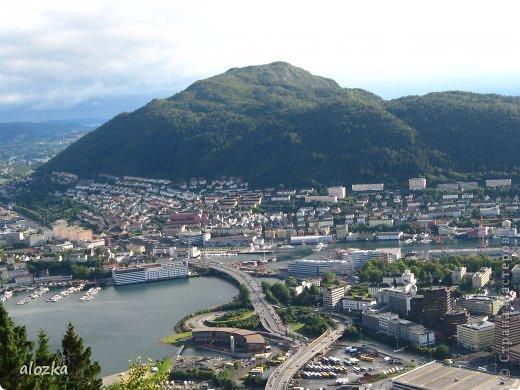 Доброго времени суток  дорогие  мои !!! На  этот раз хочу познакомить вас с замечательной страной Норвегией   , Норвегия это замечательная природа,  очаровательные фьорды  чистейший воздух  опьяняющий и  завораживающий ! Вообщем сказка   ! Много писать не буду просто полюбуйтесь!!! фото 16