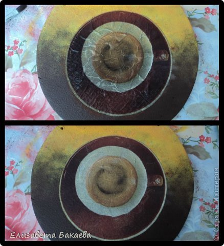 Сегодня будем делать кухонное панно. Нам понадобятся: -2 деревянные основы(на первой 4 дырочки, на второй-2) -грунт -губка -акриловые краски -валик -салфетки для декупажа -клей для декупажа -наждачная бумага -прочные нитки -лак -кисточка для румян -затирка для краккелюра -яркая гелевая ручка -клеёнка фото 7