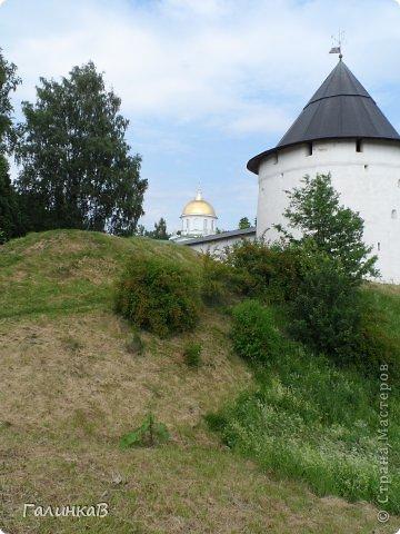 Ворота монастыря. фото 32