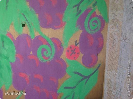 Милые мои мастерицы, я уже неоднократно показывала цветы, которые моя мама выращивает у себя в Тосненском районе Ленинградской области, обычно в качестве бонуса к моим работам. А вот сегодня хочу показать, во что выливаются творческие порывы моей мамочки. Ну и естественно, покажу еще цветы ) Но начну с клубнички (кстати, у нас её принято называть викторией, а клубникой зовут дикую ягоду, которая обычно растёт на лугах (не земляника!))  фото 12