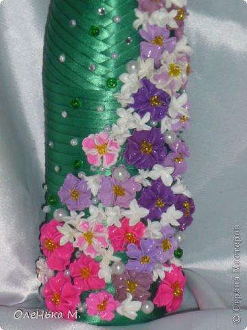 Доброе время суток всем мастерицам! Вот мой новый заказ. Девочка заказала для своей мамы бутылочку и попросила много цветов. Надеюсь что ее маме понравится. Вот ссылка на участие в конкурсе (https://stranamasterov.ru/user/197331) фото 2