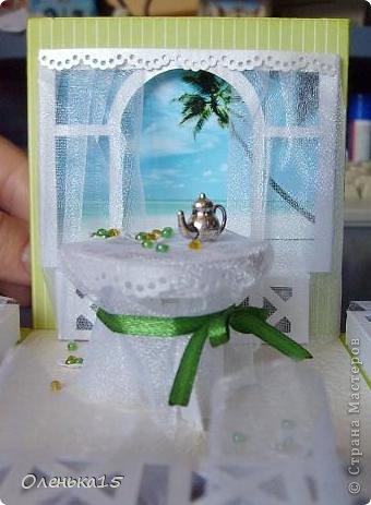 Magic box на День рождения, на заказ - для подруги, которая живет далеко. Акварельная бумага, бумага для скрапбукинга, ленты, подвески, органза, бусинки, бисер, зёрна кофе. 9*9см. фото 15