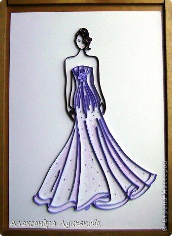 Всем доброго времени суток. Хочу представить Вам свою новую работу. В основе работы эскиз бального платья от Джорджио Армани. Сначала хотела придумать что-нибудь свое, но этот эскиз меня просто покорил. В оригинале платье бежевого цвета, но у меня не было подходящей бумаги.  фото 1
