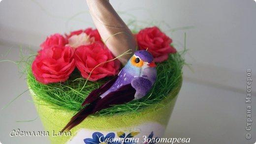 *Цветущий сад*. Выполнен из органзы, искусственных цветов, сизаль, бусины, атласные ленты. Высота 43см. Очень Яркое, летнее, цветущее!!! Всем такого Яркого лета!!! фото 3