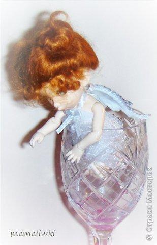 """Здравствуйте! решила принять участие в конкурсе """"Все мы - немного ангелы"""" https://stranamasterov.ru/node/597223?tid=675  Был Господа любимый ангелок   С глазами -неба ,волосы из злата.   Её в раю знал каждый уголок.   Её визит был всем награда.    Она хулиганила как и все детишки.   Была славна ,мила и озорна.   Её любили ребятишки.   Она сердцем была совсем проста    Её два белоснежные крыла.   По контуру все золотом прошиты.   На ножках туфельки , на каждой бабочка была.   В белых носочках , а коленки сбиты.  (автор не известен) фото 10"""