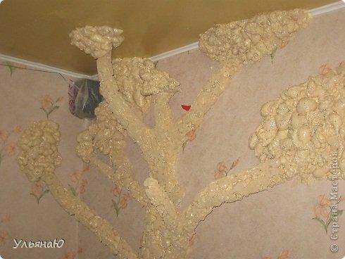 Приветик! Вот, почти во всю стену дерево в комнате, объемное и неповторимое. Давно хотела его сделать, но в голове не было идей - как, куда и что, и сколько. Просто решила делать, а там, как пойдет. И так, поехали... фото 1