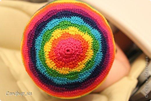 Вот связала сынуле шапку цвета радуги! фото 6