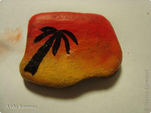 Здраствуйте жители СМ. Сегодня я решила сделать МК по росписи камней. Роспись на тему вечера в тропической стране. P.S. Первое фото обработано в программе pizap. фото 6