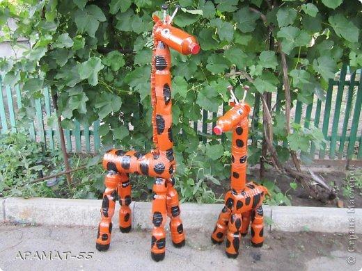 Жираф из бутылок как сделать