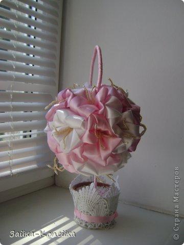 Давно не ваяла топики. К выставке решила вспомнить. Обожаю лилии, вот и получилось нечто бело-розовое. Изначально задумывалась не так, но результат превзошел ожидания. фото 2