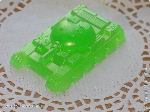 наделала я много разных мылец к ярмарке )) этот танк уж очень ребятишкам полюбился всегда первым забирают фото 1