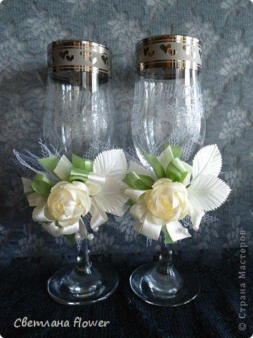 Семейный очаг для моложоженов! (Все цветы выполены из нажелатининого креп-сатина и обработаны бульками). фото 14