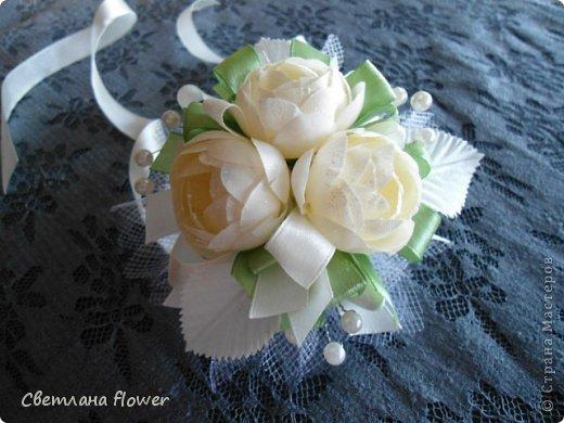 Семейный очаг для моложоженов! (Все цветы выполены из нажелатининого креп-сатина и обработаны бульками). фото 16