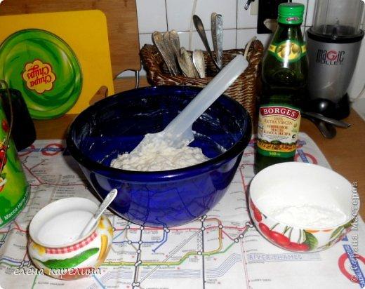 """Ой, что я умею, испекла и угощаю вас.  """"Сiabatta"""" - ЧАБАТТА это итальянский пресный хлеб, приготовленный из дрожжевого теста. Корочка запеченная хрустящая, а серединка мягкая эластичная с потрясными крупными дырочками. Переводится как """"ТАПОК"""", потому что форму делают округлую и удлиненную, похожую на тапок. фото 9"""