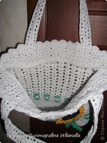 """Доброго времени суток дорогие мои жители нашей страны! И вновь я представляю новую коллекцию сумок из моих любимых пакетов. Первая сумка пляжная связана в подарок коллеге по работе. Я её назвала """"Подсолнух"""". фото 2"""