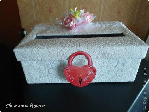 Семейный очаг для моложоженов! (Все цветы выполены из нажелатининого креп-сатина и обработаны бульками). фото 30