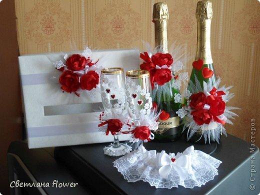 Семейный очаг для моложоженов! (Все цветы выполены из нажелатининого креп-сатина и обработаны бульками). фото 39
