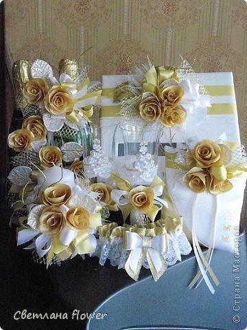 Семейный очаг для моложоженов! (Все цветы выполены из нажелатининого креп-сатина и обработаны бульками). фото 48