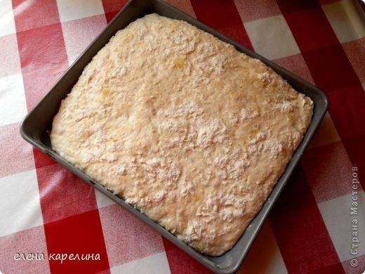 """Ой, что я умею, испекла и угощаю вас.  """"Сiabatta"""" - ЧАБАТТА это итальянский пресный хлеб, приготовленный из дрожжевого теста. Корочка запеченная хрустящая, а серединка мягкая эластичная с потрясными крупными дырочками. Переводится как """"ТАПОК"""", потому что форму делают округлую и удлиненную, похожую на тапок. фото 12"""