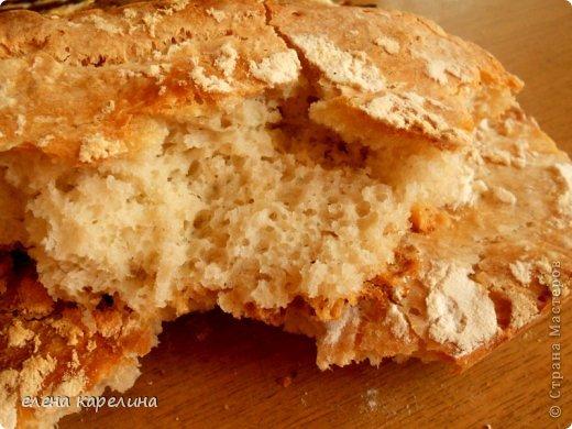 """Ой, что я умею, испекла и угощаю вас.  """"Сiabatta"""" - ЧАБАТТА это итальянский пресный хлеб, приготовленный из дрожжевого теста. Корочка запеченная хрустящая, а серединка мягкая эластичная с потрясными крупными дырочками. Переводится как """"ТАПОК"""", потому что форму делают округлую и удлиненную, похожую на тапок. фото 1"""