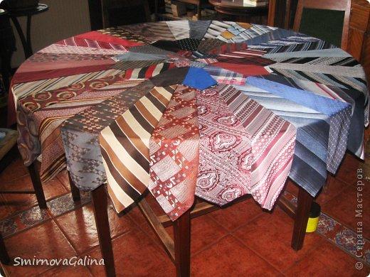 Скатерть из галстуков   фото 1
