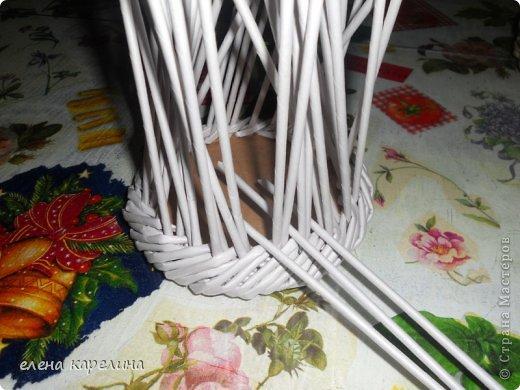 По вашим просьбам представляю маленькую корзинку с крупным жгутом по дну, выполненным из двойных стоек. фото 11