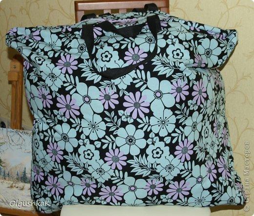 Моя первая сумочка из кожзама и ткани, внутри синтепон, подкладка, один карман. фото 24