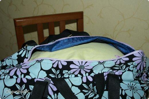 Моя первая сумочка из кожзама и ткани, внутри синтепон, подкладка, один карман. фото 26