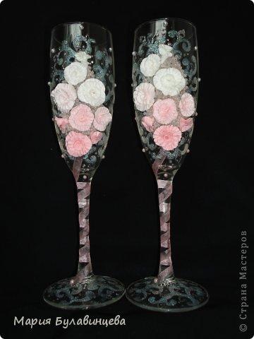 Декор предметов Свадьба Лепка Роспись Свадебные бокалы и свечи ручной работы Бисер Бусинки Клей Ленты Пластика фото 22.
