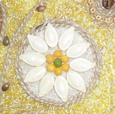 Картина панно рисунок Мастер-класс 8 марта День матери Аппликация Панно из круп + мини МК Гуашь Клей Кофе Краска Крупа Материал природный Семена Скорлупа яичная Фанера Шпагат фото 7