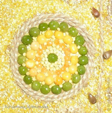 Картина панно рисунок Мастер-класс 8 марта День матери Аппликация Панно из круп + мини МК Гуашь Клей Кофе Краска Крупа Материал природный Семена Скорлупа яичная Фанера Шпагат фото 9