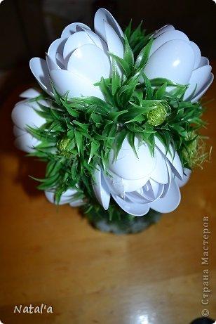 """Создала свои цветы по замечательному МК https://stranamasterov.ru/node/582271?c=favorite. Так они мне понравились и за вечерок, сидя перед телевизором """"напистолетила"""")))). Хочу подарить маме, оцените как вам, если не  сложно. Буду очень благодарна. фото 3"""