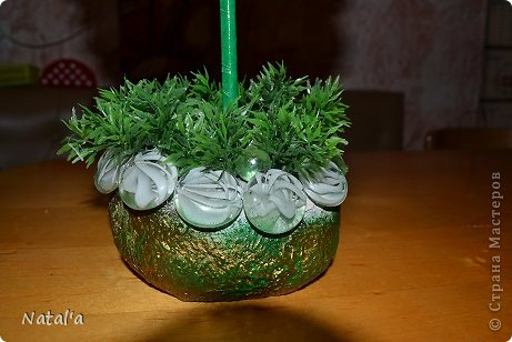"""Создала свои цветы по замечательному МК https://stranamasterov.ru/node/582271?c=favorite. Так они мне понравились и за вечерок, сидя перед телевизором """"напистолетила"""")))). Хочу подарить маме, оцените как вам, если не  сложно. Буду очень благодарна. фото 5"""