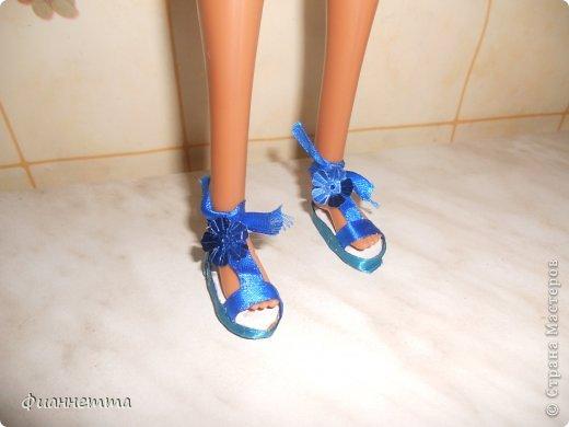 Кукольная жизнь Вязание крючком Синие босоножки Картон Клей Ленты Пайетки Пряжа фото 1