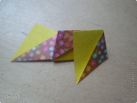 """Снова здравствуйте!  Следующая модель из ленточно-цветочной серии Индира. Она получилась самой аккуратной и кругленькой.   Name: Indira collection """"Ribbon Flowers"""" Designer: Uniya Filonova Units: 30 Paper: 2,9 * 15 sm  Final height: ~ 8,5 sm Joint: no glue фото 12"""