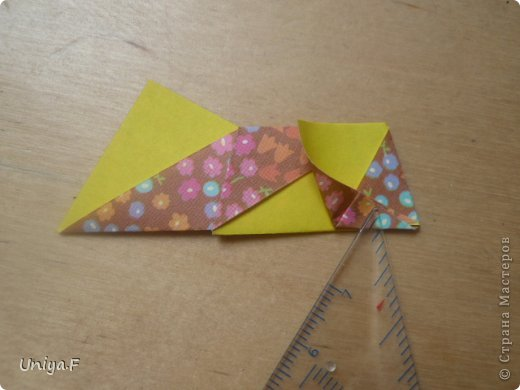 """Снова здравствуйте!  Следующая модель из ленточно-цветочной серии Индира. Она получилась самой аккуратной и кругленькой.   Name: Indira collection """"Ribbon Flowers"""" Designer: Uniya Filonova Units: 30 Paper: 2,9 * 15 sm  Final height: ~ 8,5 sm Joint: no glue фото 14"""