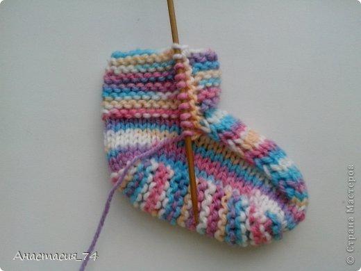 Гардероб Мастер-класс Вязание спицами Очень простые пинеточки для малыша подробный МК Нитки Пуговицы фото 34