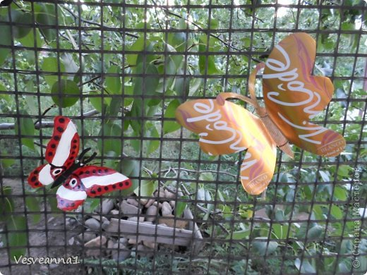 Здравствуйте жители и гости Страны Мастеров ! Вот такая стрекоза поселилась у меня в саду. Может быть кому-то пригодится и у вас появится компания для бабочек. фото 22