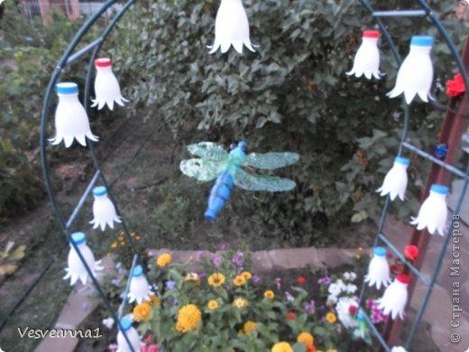 Здравствуйте жители и гости Страны Мастеров ! Вот такая стрекоза поселилась у меня в саду. Может быть кому-то пригодится и у вас появится компания для бабочек. фото 18