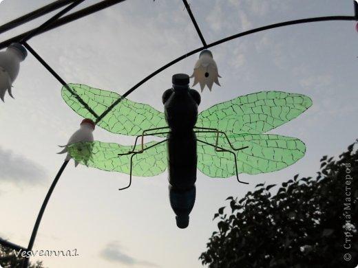 Здравствуйте жители и гости Страны Мастеров ! Вот такая стрекоза поселилась у меня в саду. Может быть кому-то пригодится и у вас появится компания для бабочек. фото 19