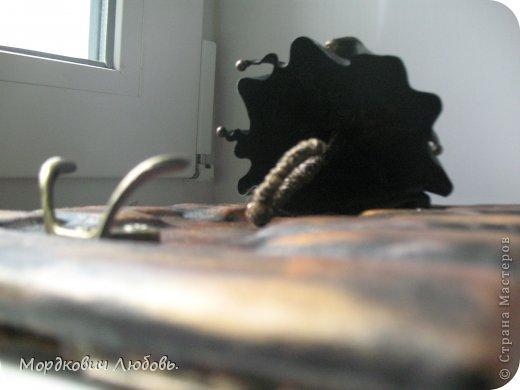 Добрый день!!!Давно эта замечательная ключница была у меня в хотелках.И вот свершилось!!!кажется....Только она у меня кожаная!покажу со всех сторон и при разном освещении.. фото 4